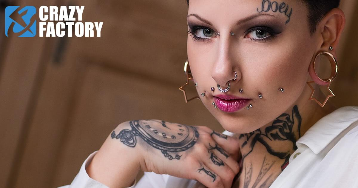 Mature woman with tattoos and pierced nipples jerks and sucks a cock № 1040865 загрузить