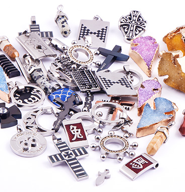 Wholesale Pack with Pendants